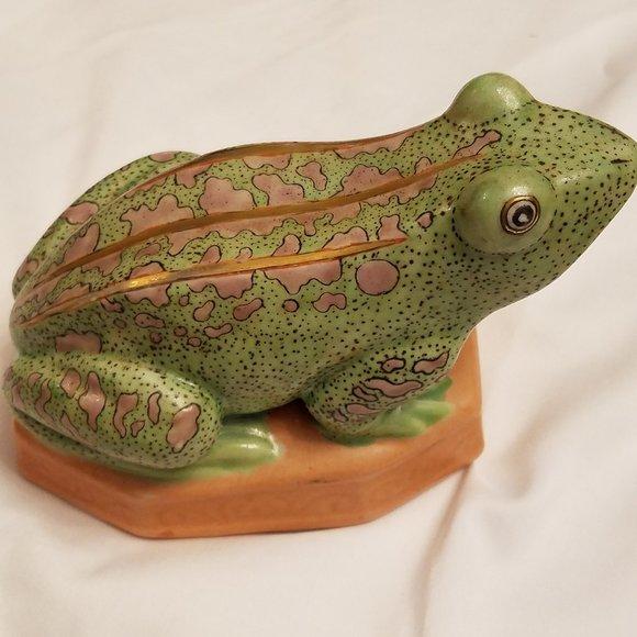 Porcelain Frog